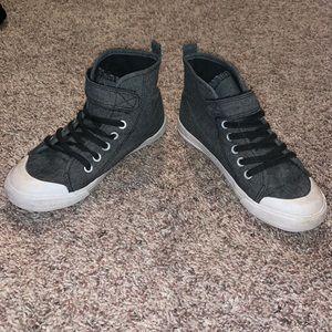 H&M boys sneakers